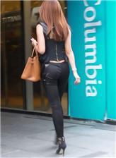 皮裤50岁女人图片 少妇油亮裤