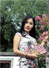丰满性感旗袍美女 南京旗袍美女