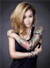 女孩花臂纹身图案唯美 单纯女孩花臂纹身图片