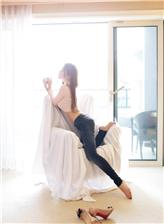 韩国美女许允美 黑丝网袜的诱惑