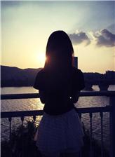 唯美意境图片女生背影高清图