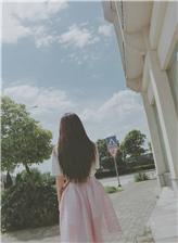 女生背影图片唯美长发大图