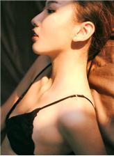 平胸少女头像高清大图