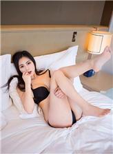 男人狂亲女人尿管动态:强吻胸撕女人衣服