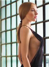 欧洲女性大阴口酥胸美女写真