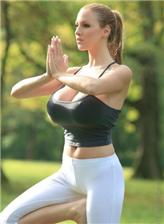 黒衣美女瑜伽视频凹凸诱惑性感图