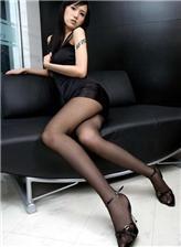美女穿薄黑色丝袜过程还是黑丝最有感觉啊