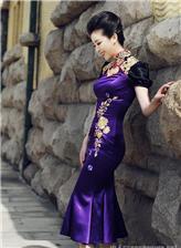 黄小蕾漂亮身材大胆旗袍写真