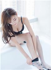 杨晨晨蜜桃社透明丝袜酥胸写真
