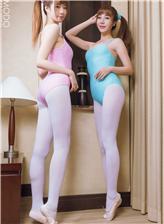 白丝袜舞蹈服大胸美女 漂亮姐妹同时上镜