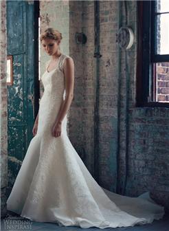 每个女孩都梦想披上婚纱的那天