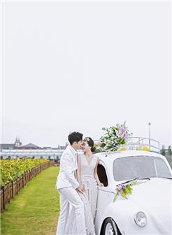婚纱照中复古的婚纱照