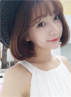 带刘海的短发发型2018女生图片