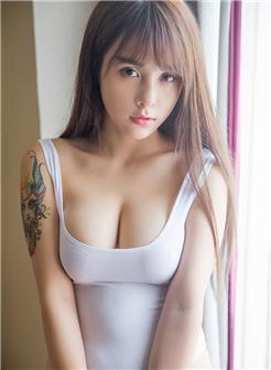 90后漂亮小姐姐的胸图片