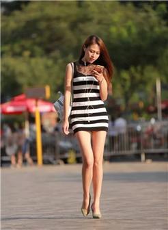 银色高跟鞋美腿清纯美女