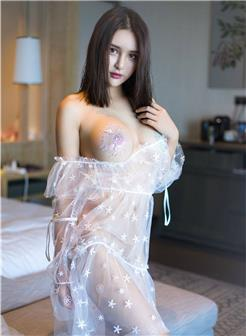 古装优雅长裙仙女薄纱透视身躯图片