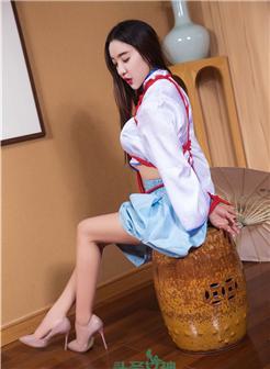 洛天依金丝雀白色旗袍cosplay福利图