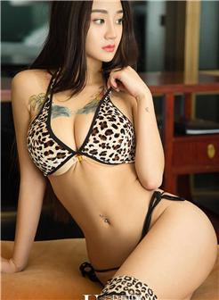 优果网艾可丝美女胸部纹身豹纹内衣写真图片