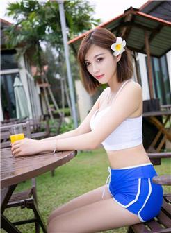 亜美图库清纯气质美女性感吊带装头戴鲜花性感写真