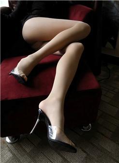 嫩模美女写真花絮晚上宾馆照片实拍图片