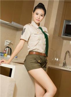 正面的女人的全体棵制服高凸美胸写真