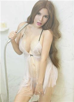 蛇形诱惑身材美女浴室乳此圆满大胆艺术照片