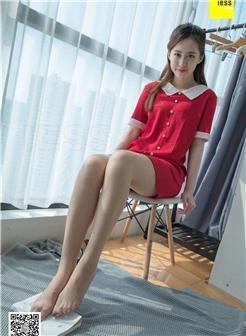 中学女生超薄短丝红色美裙可爱写真