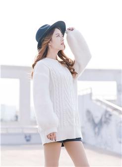 森女系白色毛衣头像高清大图
