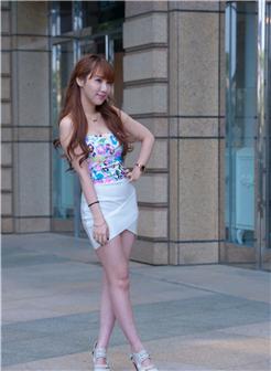 裸骑正妹台湾网红美女户外魅力写真