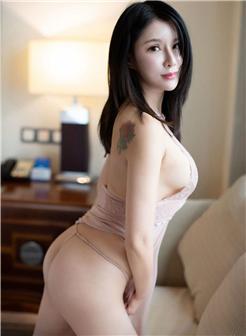 台湾正妹jessica香肩纹身光滑玉臀大尺度写真