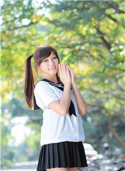 台湾校花微笑女神校园清新写真