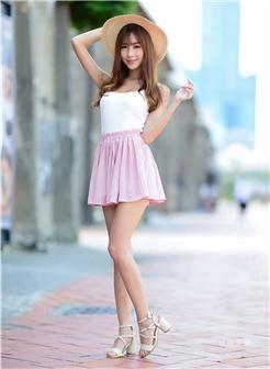台湾淡江大学校花美腿短裙写真