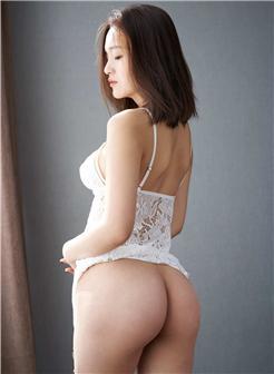 尤物李颖诗中德混血女神写真集