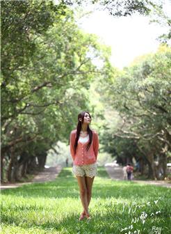qq头像女生只露腿粉色短裙大图