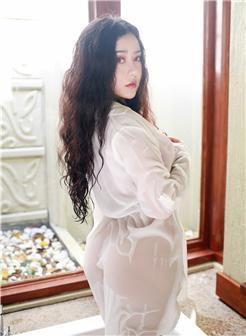 玛鲁娜最新写真白上衣图大图