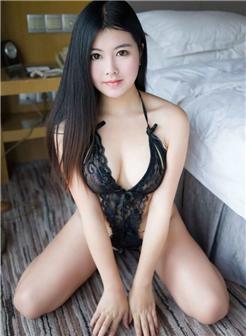 孙梦纯粉色葡萄图片大图欣赏