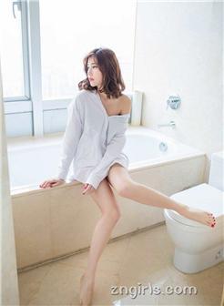 [白妇11p]白衬衫真空凸凹美乳女神浴室湿身诱惑写真集