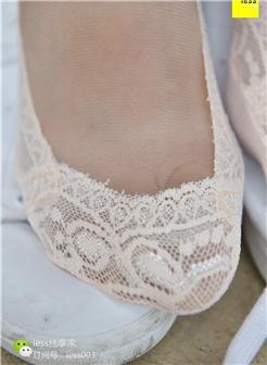 漂亮女生穿船袜写真丝足图片
