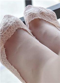 甜甜公主的白袜帆布鞋踩踏诱惑写真大图