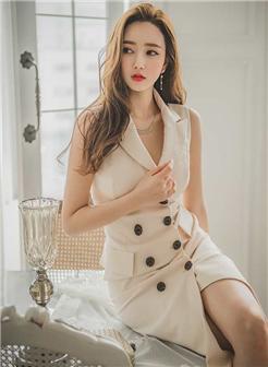 森女部落模特谢雨泓职业长裙办公室写真