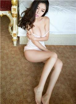 肉色超薄吊带情趣裙香臀外露写真,文娜150p