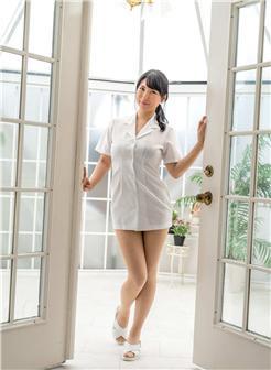 40岁熟妇诱人自拍长衬衫无裤在家悠闲照片