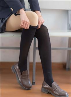 高筒袜jk绝对领域日系黑丝校园风写真集