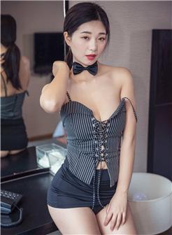花漾show宋kiki条纹制服吊带脖子蝴蝶结OL写真
