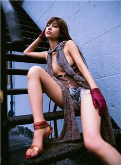 中年熟丝裸妇性感外拍写真
