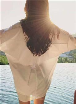 美女背影图片长发唯美高清大图