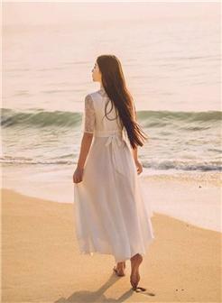 海边背影女唯美大图