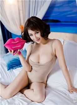 丰腴身材宾馆少妇女寂寞写真私房图片