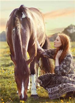 欧美极品女生与马唯美壁纸高清图片