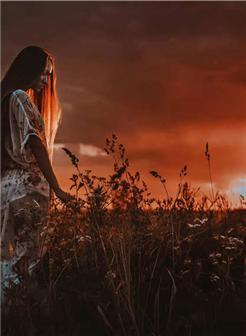 欧美女生黄昏落日灿烂写真壁纸